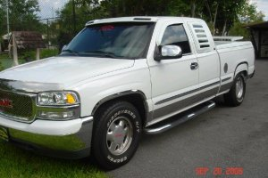 2000 GMC 4-Door Pickup